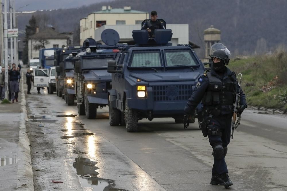 kosovska polocija foto epa (1)_1000x0